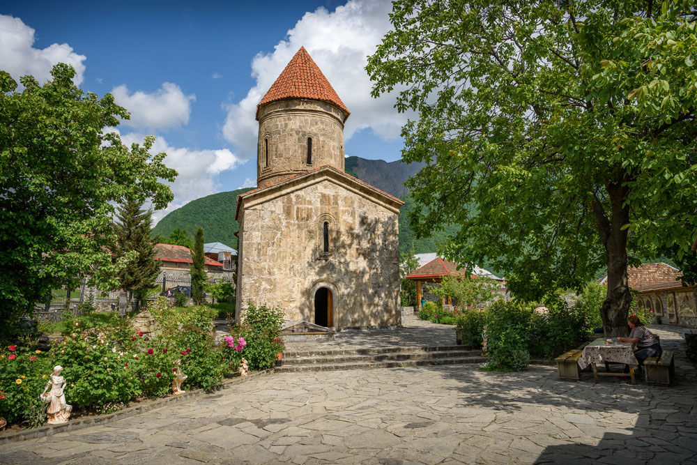 Киш, Албанская Церковь